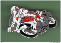 MOTO *** HONDA CBR 1000F *** 1036 - Motos