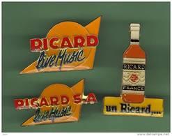 RICARD *** Lot De 3 Pin's Differents *** 1037 - Bebidas