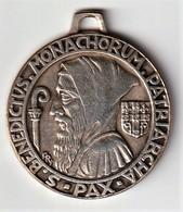 """Médaille Religieuse """"Saint Benoit"""" Graveur: Fernand Py - Argent Diamètre 4cm - Religion & Esotérisme"""