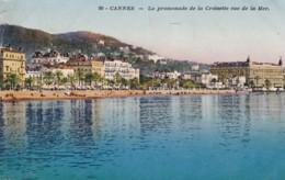 AP67 Cannes, Le Promenade De La Croisette Vue De La Mer - Cannes