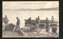 CPA Tregastel-Primel, Retour De La Peche A La Drague, Pêcheur Entladen Bateaux - France