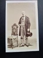 Photographie Ancienne CDV - Second Empire - Homme Âgé - Haut De Forme - Photo Francesco  Marseille - Antiche (ante 1900)