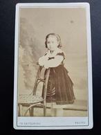 Photographie Ancienne CDV  REUTLINGER - Second Empire - Fillette -Robe Velours- Coiffure- Paris - 1868 - Photos