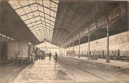 Bonne Cpa Du Pays Basque, La Gare De Bayonne Animée Avec Train, éd. ND 172, écrite 1911, Wagon - Bayonne