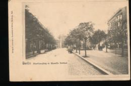 Allemagne --- Berlin -- Monbijou - Plaz M.Chamiffo Dentmal - Deutschland