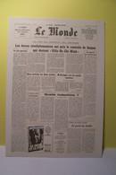"""JOURNAL """"  LE  MONDE """"- La Fin Du Conflit Du VIETNAM  - 2 Mai 1975 - Histoire"""