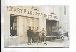 70 - GRAY - Carte-photo Non Titrée Mais Il S' Agit Bien De GRAY Rue Carnot. HENRY FILS. CHARRON FORGERON - Gray