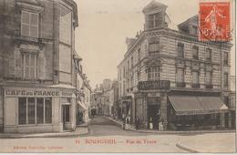 BOURGUEIL - Rue De Tours - Café De France, Autres Commerces. Personnages. - Autres Communes