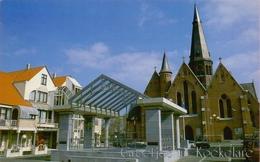 KOEKELARE: De Dorpskerk * Het Gemeentehuis * Het Concertplein * De Markt * Het Meunyckenhof. - Koekelare
