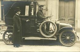 Carte-photo -  TAXI  - RENAULT Avec Chauffeur Et Majordome - Taxi & Carrozzelle