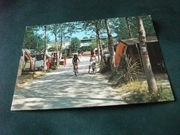 PIN UP   BICICLETTA  DONNA CAMPEGGIO CAMPING RIVA NUOVA MARTINSICURO TERAMO LUNGOMARE SUD - Pin-Ups