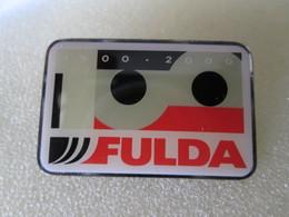 PIN'S    FULDA  PNEU   1900 2000 - Autres