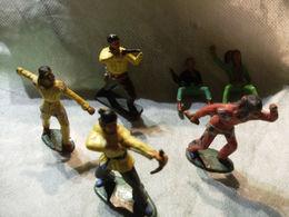 Petit Lot Figurines Starlux Indiens Cowboys Avec Manques Et A Reparer - Starlux