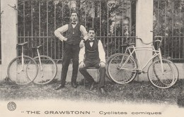 """CPA Cirque Circus Cirk """"The Grawstonn""""  Cyclistes Comiques Vélo Bicyclette Cycling Radsport (2 Scans) - Circus"""