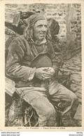 WW 29 LE FAOUET. Vieux Breton En Prière - France