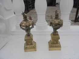 Paire De Chenets De Chemine Fin 19 Debut 20 Siecle - Bronzes