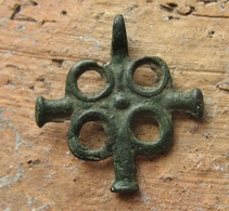 Medieval Europe. Bronze Cross 9-12 Century.Vikings Age - Archeologia