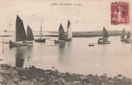 29 Ile De Sein Le Port Bateau Bateaux De Peche Cachet 1905 - Ile De Sein