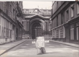PHOTO DE PRESSE ,agence L.A.P.I. à PARIS,guerre F.F.I. Mine Batiment Officiel à PARIS,   (lot 127) - Guerre, Militaire