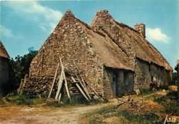 19 - Corrèze - En Limousin - Vieille Ferme Au Toit De Chaume - Voir Scans Recto-Verso - France