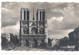 Cpsm Format Cpa.189. PARIS . NOTRE-DAME ET LE PARVIS . AFFR AU VERSO LE 10-8-1957 . 2 SCANES - France