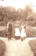 Gärtner Mit Hund In Parkanlage Garten Ca 1930 - Berufe