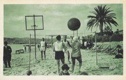 Juan-les-Pins - Jeux Sur La Plage En Hiver - Volley, Gros Ballon - Edition L. Brouqui - France