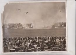 Feats At Royal Air Force Display Bombing Aeroplanes Raf Hendon 25*20CM Fonds Victor FORBIN 1864-1947 - Aviación
