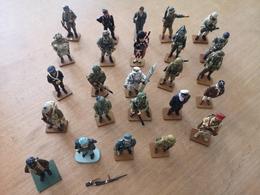 LOT DE 25 SOLDATS DE PLOMB -> DONT 23 FIGURINES COLLECTION DEL PRADO - GUERRE - Soldats De Plomb
