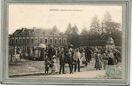 CPA - BRIONNE (27) - Aspect Du Marché Hebdomadaire Sur La Grande Place De Lorraine En 1905 - France