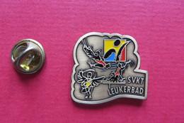 Pin's,Sport,GYMNASTIQUE,SVKT LEUKERBAD,Suisse,oiseaux - Gymnastique