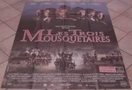 AFFICHE CINEMA ORIGINALE FILM LES 3 MOUSQUETAIRES Alexandre DUMAS SHEEN SUTHERLAND HEREK WALT DISNEY 1993 TBE - Manifesti & Poster