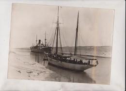 THE WISDOM II PASSING SUEZ CANAL WORLD EXPLORATION TRIP 24*18CM Fonds Victor FORBIN 1864-1947 - Barcos