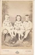 CDV - Photographie Portraits D'enfants Avec Cerceau Par Gustave Au Mans (Ca 1880) - Photos