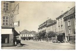 46-ST-CERE-Avenue De La République...1952   Animé - Saint-Céré