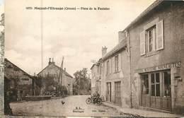 23 Creuse :  Magnat-l' Etrange  Place De La Fontaine   Réf 6872 - Francia