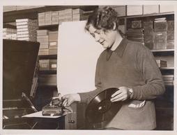GRAMOPHONE RESEMBLES  A CAMERA THE EXCELDA MARVEL MART GLASGOW   20*15CM Fonds Victor FORBIN 1864-1947 - Fotos