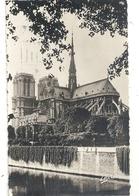 Cpsm Format Cpa. PARIS . NOTRE-DAME . CHEVET . CARTE AFFR AU VERSO LE 1 OCT 1946 . 2 SCANES - France