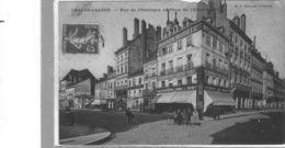 Chalon Sur Saône.Place De L'Hotel De Ville Et Rue De L'Obélisque.Animée.Nombreux Commerces - Chalon Sur Saone
