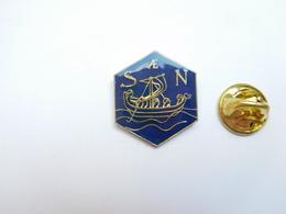 Beau Pin's , Marine Bateau , Drakkar , SN - Banken