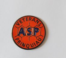 Pin's ASP Vétérans PRINQUIAU - SPORT - Football