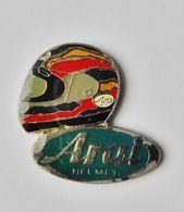 Pin's Casque Moto ARAI Helmet - SPORT - Pin's