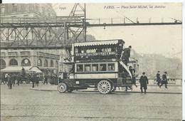 PARIS - Place Saint Michel , Un Autobus - Transport Urbain En Surface