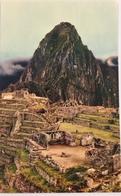 (647) Peru - Machupicchu - Partial View Of The Ruins With The Huay Napicchu - Pérou