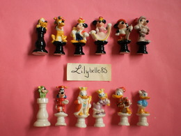 Série Complète De 12 Fèves Disney En Porcelaine - JEU D' ECHECS DISNEY 2003 ( Feve MICKEY Figurine Miniature ) - Disney