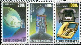 ID0512 Indonesia 1992 Satellite Communication Telephone 3V - Indonesië