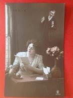 1912 - LE REVE - DE DROOM - VROUW LEEST BRIEF EN DROOMT VAN VERLOOFDE - FEMME REVE DE SON FIANCE - Couples