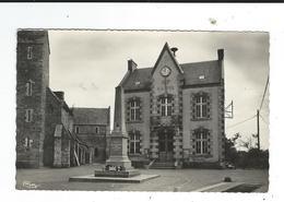 50 St Saint Sauveur Lendelin Mairie Monument Aux Morts écrite 1957  TBE Combier Format CPA Dentelée - Andere Gemeenten
