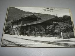 CARTOLINA COLLE ISARCO-LA STAZIONE FERROVIARIA - Stazioni Senza Treni