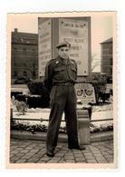 Soldaat Robert (Bob) Jonckheer Uit Hoboken (foto 10x7,5 Cm) - Personnages